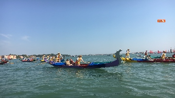 2 - Il giorno della 'Regata Storica' a Venezia, il tradizionale corteo di barche in Canal Grande