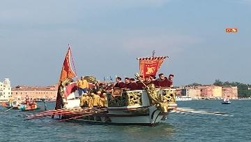 5 - Il giorno della 'Regata Storica' a Venezia, il tradizionale corteo di barche in Canal Grande