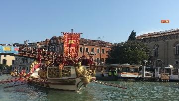 7 - Il giorno della 'Regata Storica' a Venezia, il tradizionale corteo di barche in Canal Grande