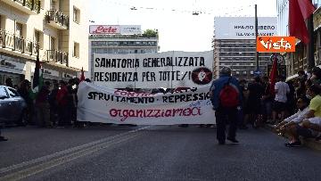 2 - Manifestazione Loreto, Rete anarchica milanese in corteo lungo via Padova