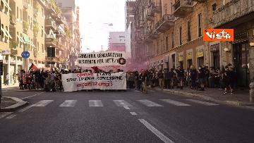 5 - Manifestazione Loreto, Rete anarchica milanese in corteo lungo via Padova
