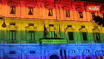 3 - Milano Pride 2020, Palazzo Marino si illumina con i colori dell'arcobaleno