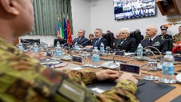 5 - Mattarella visita il contingente impegnato nell'Operazione Strade Sicure