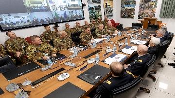 6 - Mattarella visita il contingente impegnato nell'Operazione Strade Sicure