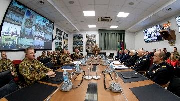 7 - Mattarella visita il contingente impegnato nell'Operazione Strade Sicure