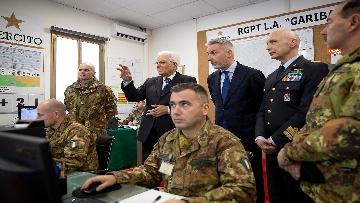 16 - Mattarella visita il contingente impegnato nell'Operazione Strade Sicure