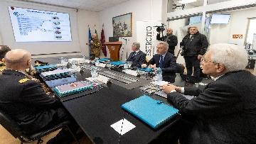 14 - Mattarella visita il contingente impegnato nell'Operazione Strade Sicure