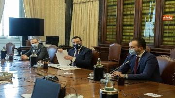 1 - Consultazioni, Draghi incontra Salvini. Con lui i capigruppo Romeo e Molinari