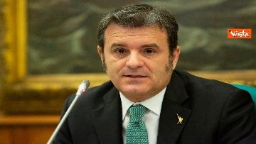 4 - Coronavirus, Salvini e Centinaio presentano proposte Lega: Fondo turismo e bonus famiglia 1000 euro