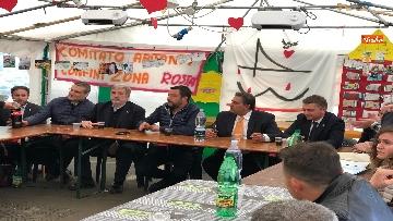 1 - Ponte Morandi, Salvini incontra gli abitanti ai confini della zona rossa