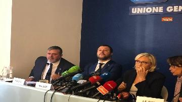 11 - Salvini, Le Pen in conferenza con il segretario UGL Capone