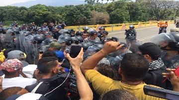 8 - Capone (Ugl) al confine tra Venezuela e Colombia per sostenere il popolo venezuelano