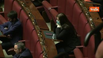8 - Conte alla Camera tra deputati con la mascherina e ministri a distanza di sicurezza