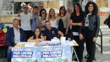 5 - Zingaretti al Banchetto Pd a Piazza Cola di Rienzo a Roma