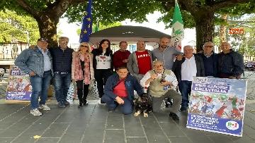 4 - Zingaretti al Banchetto Pd a Piazza Cola di Rienzo a Roma