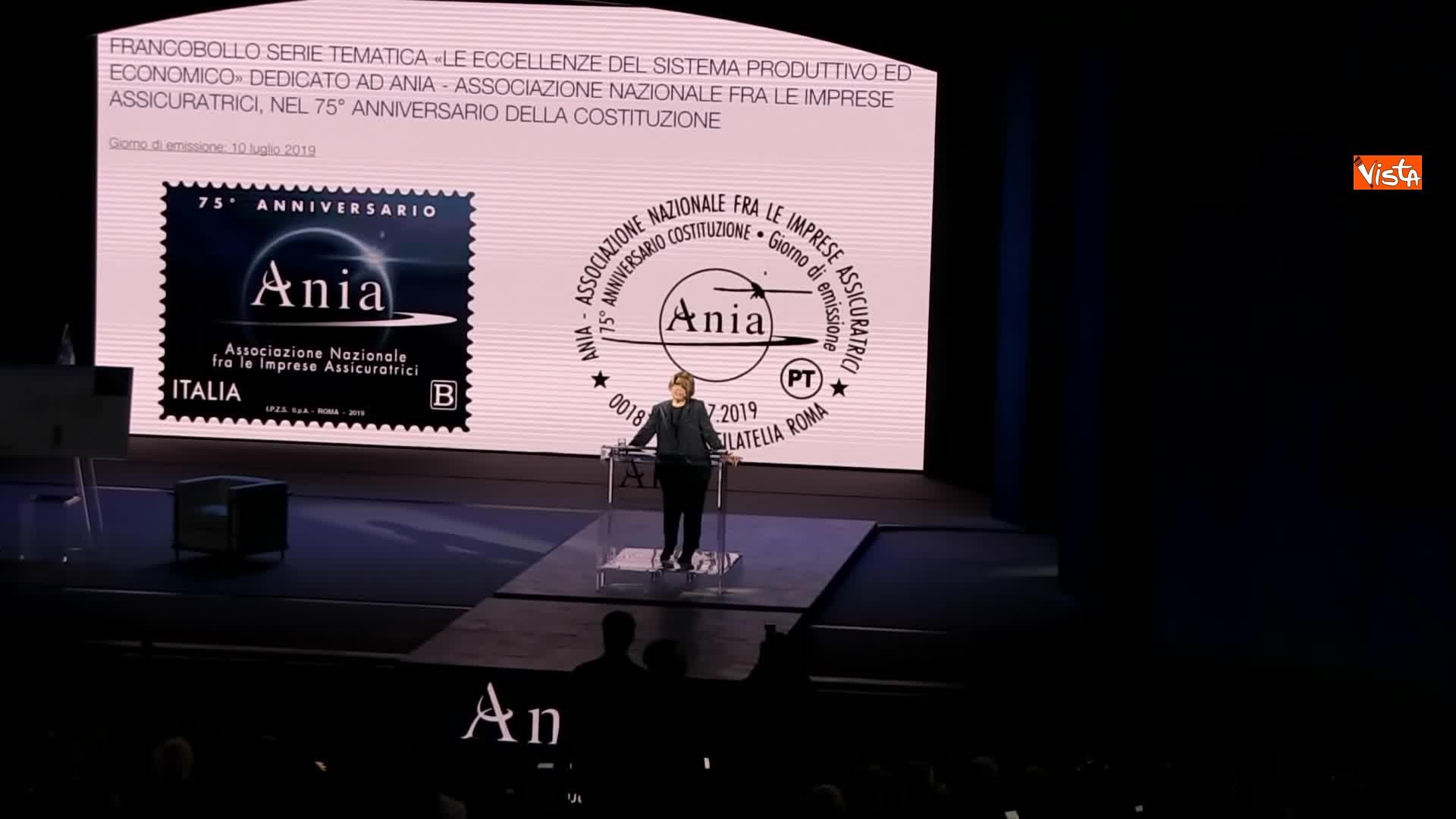 10-07-19 Ania l Assemblea con Conte Mattarella e la presidente Farina_Il francobollo per i 75 anni di Ania 03