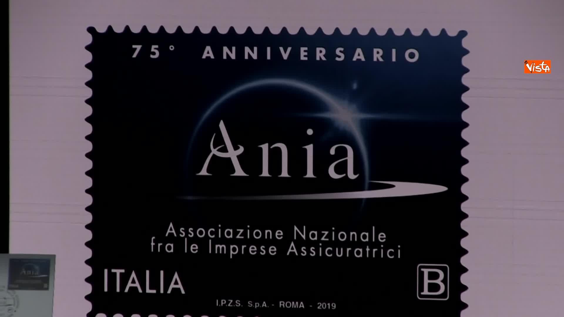 10-07-19 Ania l Assemblea con Conte Mattarella e la presidente Farina_Il francobollo per i 75 anni di Ania 04