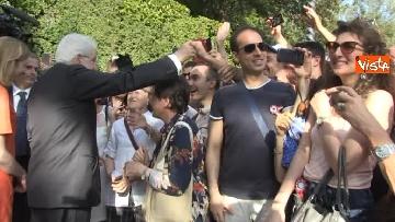 4 - Il Quirinale apre le porte al pubblico, e Mattarella saluta i cittadini