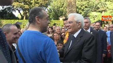 12 - Il Quirinale apre le porte al pubblico, e Mattarella saluta i cittadini