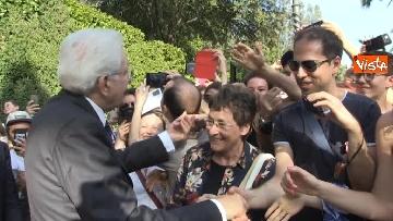 3 - Il Quirinale apre le porte al pubblico, e Mattarella saluta i cittadini