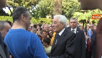 11 - Il Quirinale apre le porte al pubblico, e Mattarella saluta i cittadini