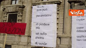 5 - Nuovo stadio Milano, Flash Mob comitati cittadini a Palazzo Marino, le immagini del presidio