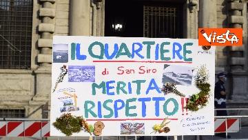 7 - Nuovo stadio Milano, Flash Mob comitati cittadini a Palazzo Marino, le immagini del presidio