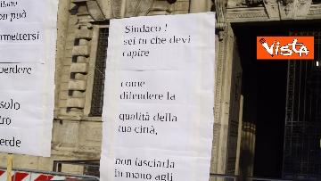 4 - Nuovo stadio Milano, Flash Mob comitati cittadini a Palazzo Marino, le immagini del presidio