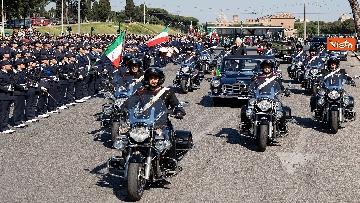 4 - Festa della Repubblica, Mattarella arriva ai Fori Imperiali per assistere alla parata del 2 giugno