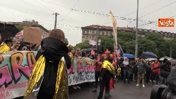 4 - Il corteo antisovranista sfila a Milano contro il comizio di Salvini e Le Pen in Duomo