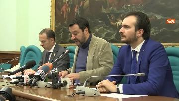 7 - Salvini con i capigruppo Romeo e Molinari in conferenza stampa immagini