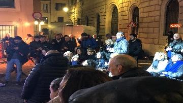 1 - La festa di natale di Fratelli d'Italia, tra prodotti locali e tombolata sovranista
