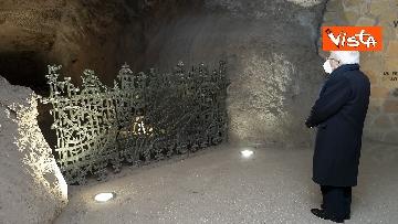 7 - Mattarella rende omaggio alle vittime delle Fosse Ardeatine