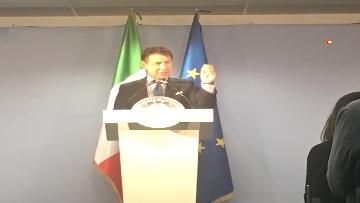 9 - La conferenza stampa di Conte al termine del Consiglio europeo, le immagini