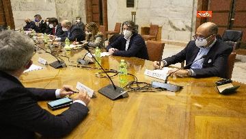 4 - Crisi Corneliani, trovato accordo per nuovo progetto. Le immagini della riunione al Mise