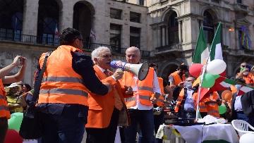 """5 - Manifestazione Gilet Arancioni, Antonio Pappalardo: """"Basta mascherine e vaccini sono pericolosi"""""""