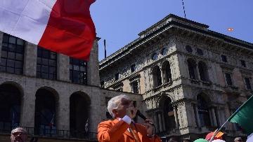 """1 - Manifestazione Gilet Arancioni, Antonio Pappalardo: """"Basta mascherine e vaccini sono pericolosi"""""""