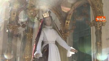 8 - Canti e preghiere alla Festa de Noantri a Trastevere, le immagini della processione