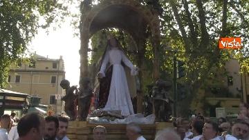 5 - Canti e preghiere alla Festa de Noantri a Trastevere, le immagini della processione