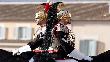 6 -  Unità d'Italia, cambio della guardia solenne dei corazzieri a cavallo al Quirinale