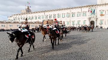 2 -  Unità d'Italia, cambio della guardia solenne dei corazzieri a cavallo al Quirinale
