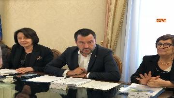 1 - Salvini al Comitato per l'ordine e la sicurezza su sgombero campo rom a Giugliano