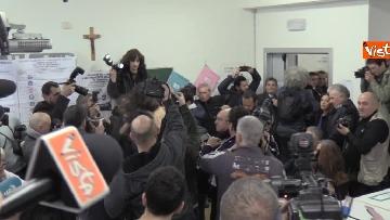10 - Protesta Femen, Berlusconi scherza: