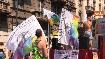 2 - La sfilata del Gay Pride a Milano