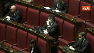 6 - Conte alla Camera tra deputati con la mascherina e ministri a distanza di sicurezza
