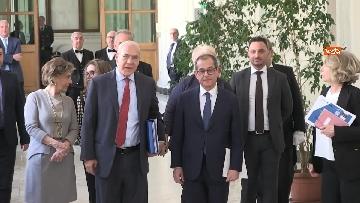 4 - La presentazione del rapporto Ocse sull'andamento dell'economia in Italia