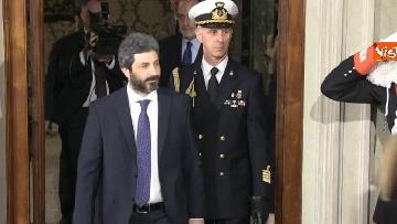 1 - Roberto Fico e il segretario generale del Quirinale Ugo Zampetti dichiarano al termine delle Consultazioni