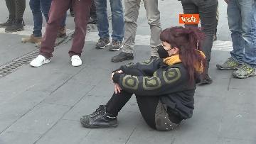 6 - Giornata mondiale del teatro, le foto della protesta davanti al Teatro Argentina a Roma