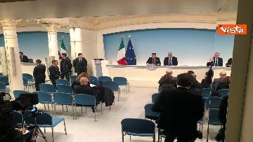 1 - Conte e Gualtieri in conferenza stampa a Chigi sulla manovra