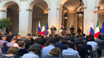 4 - La conferenza stampa congiunta di Putin e Conte